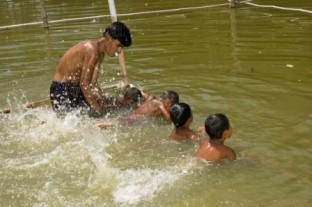 SwimSafe lessons as part of the PRECISE project in Bangladesh