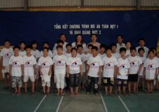 SwimSafe DaNang graduating class from -------- school, August 2009